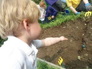 Gardening club3